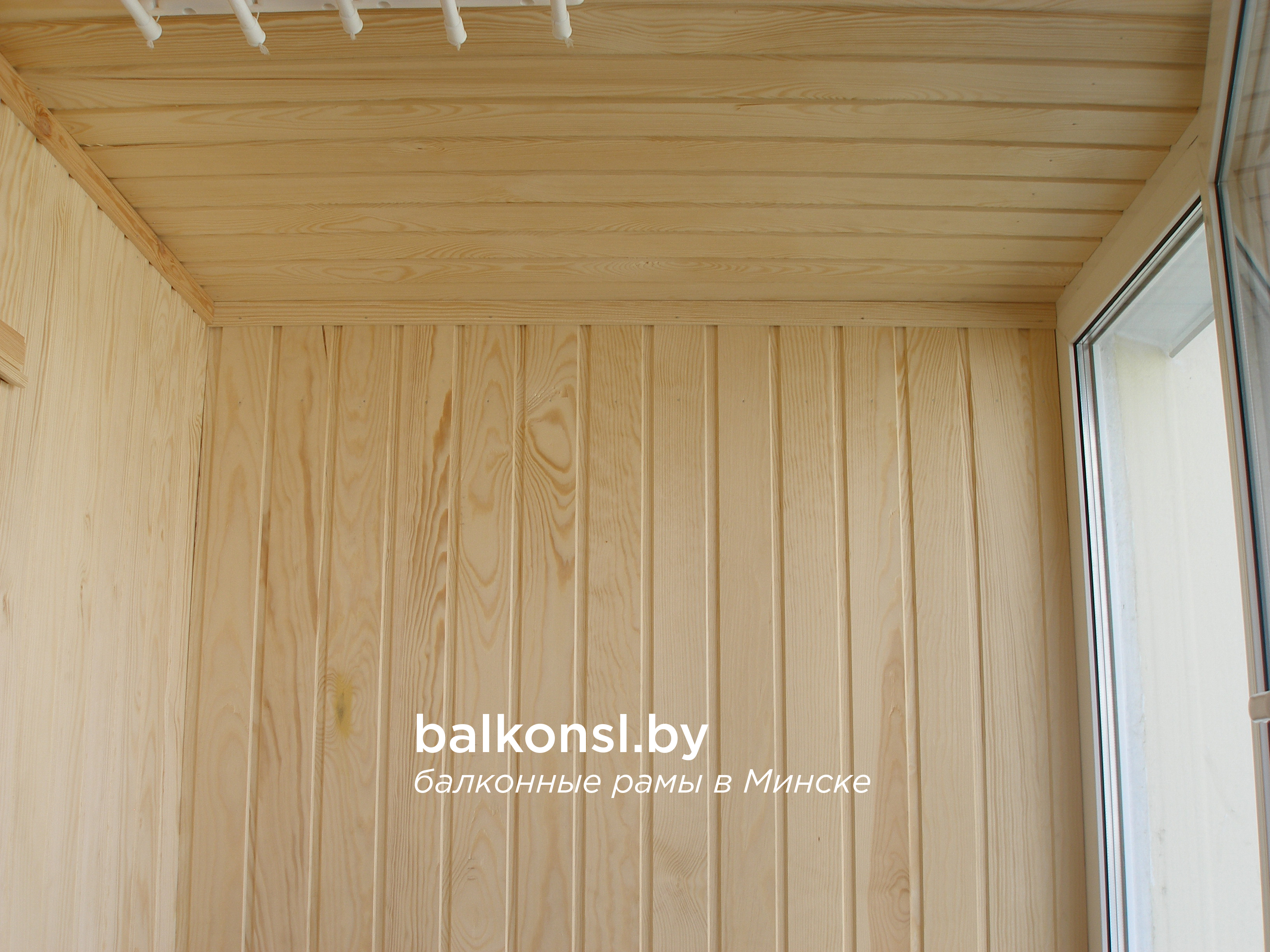 Шкафы на балкон. заказать мебель на балкон. обшивка балкона .